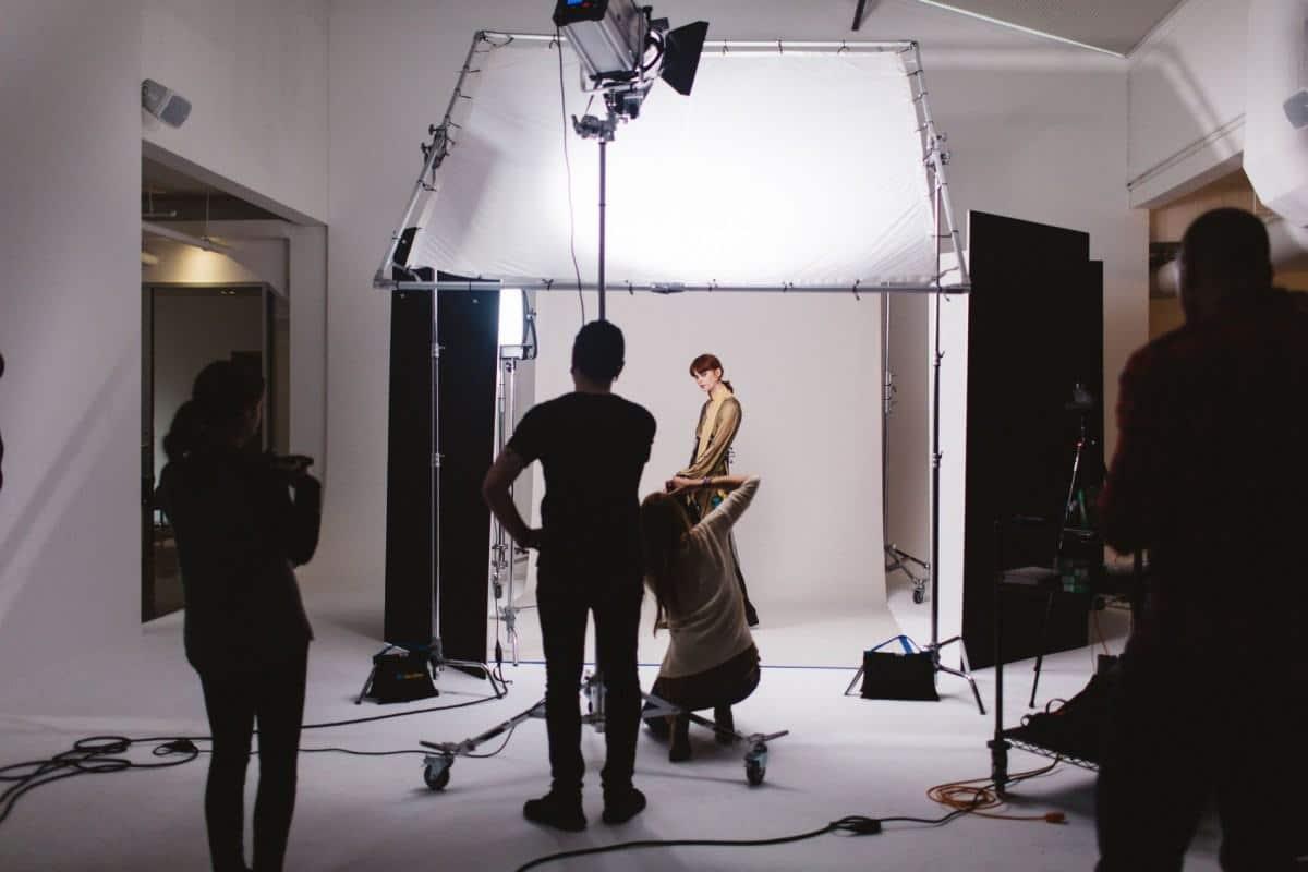 Tổng hợp cho thuê studio chụp ảnh xịn xò nhất | Kiến Thức MMO