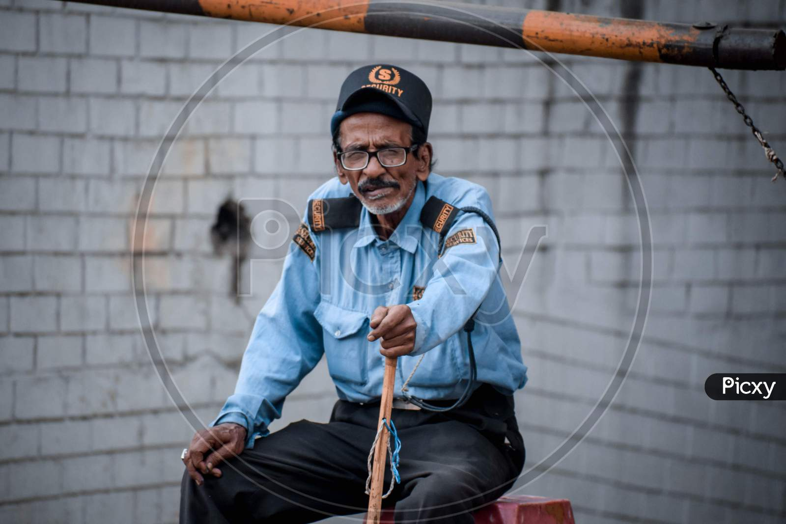 Image of An Old Man As Security Guard-XA495164-Picxy