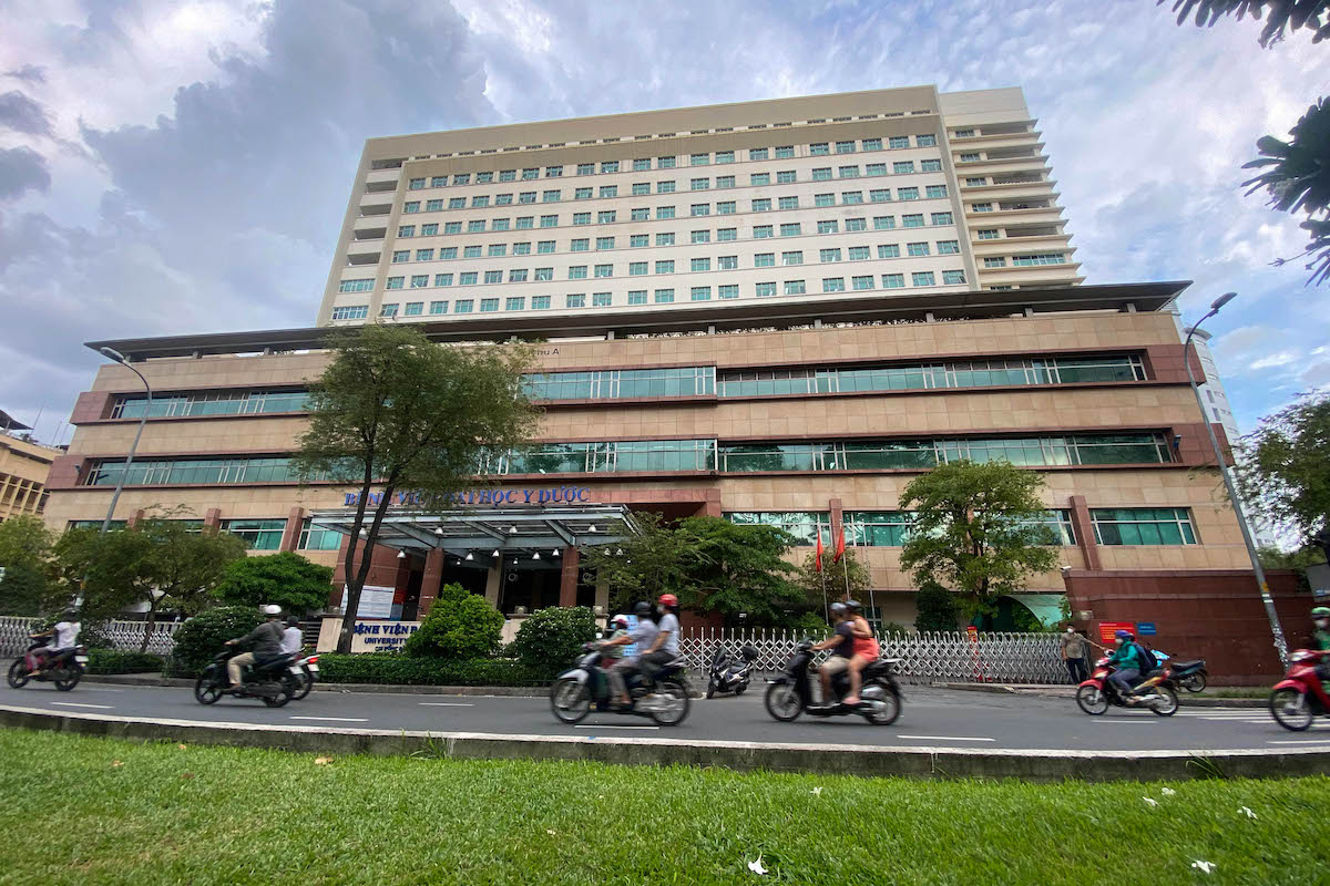 4 nhân viên Bệnh viện Đại học Y Dược TP HCM dương tính nCoV - VnExpress Sức khỏe