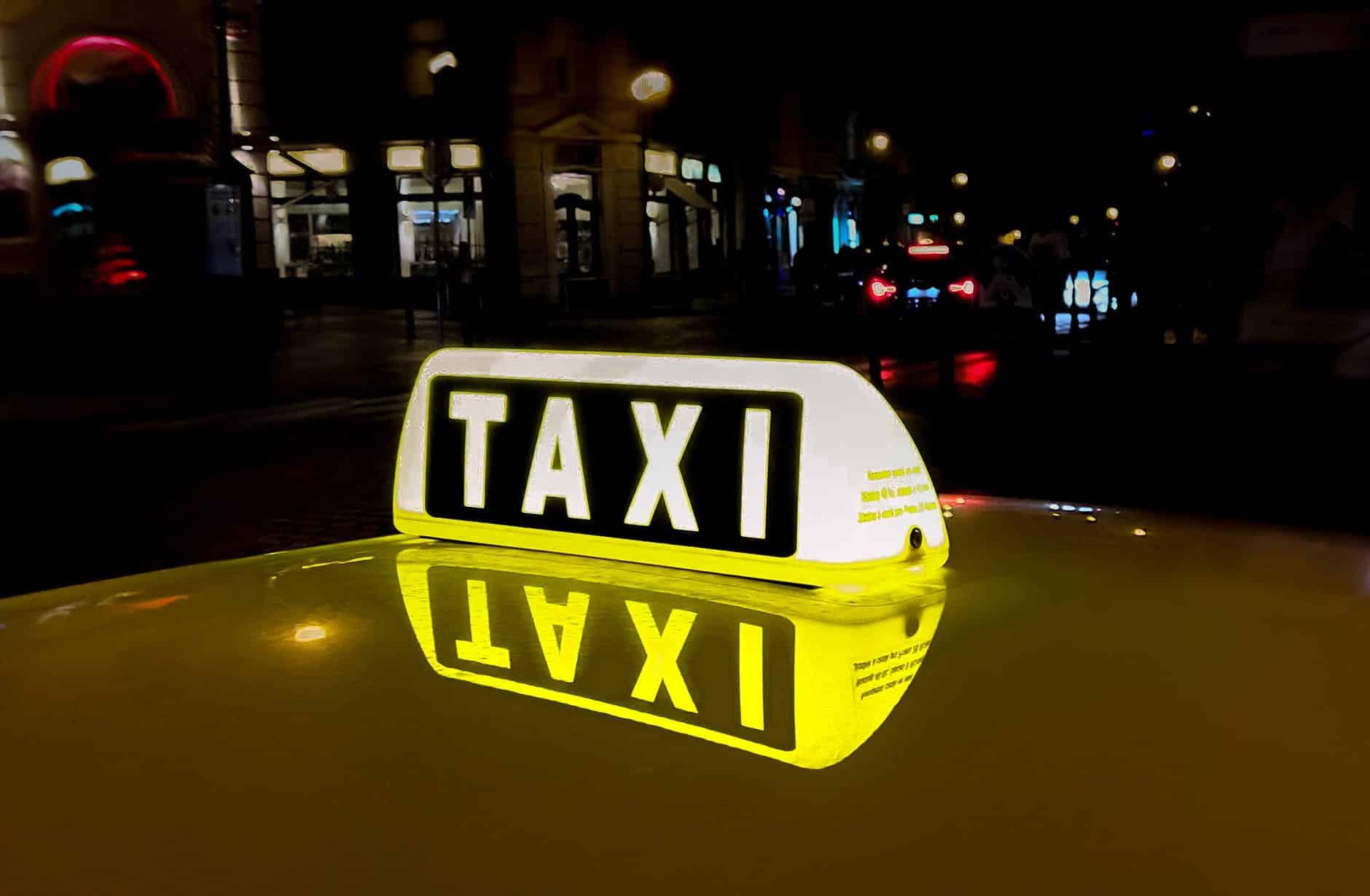 4 Cách đi taxi giá rẻ – Chi phí, Ứng dụng, Mẹo cần biết – Tiết kiệm Hiệu quả