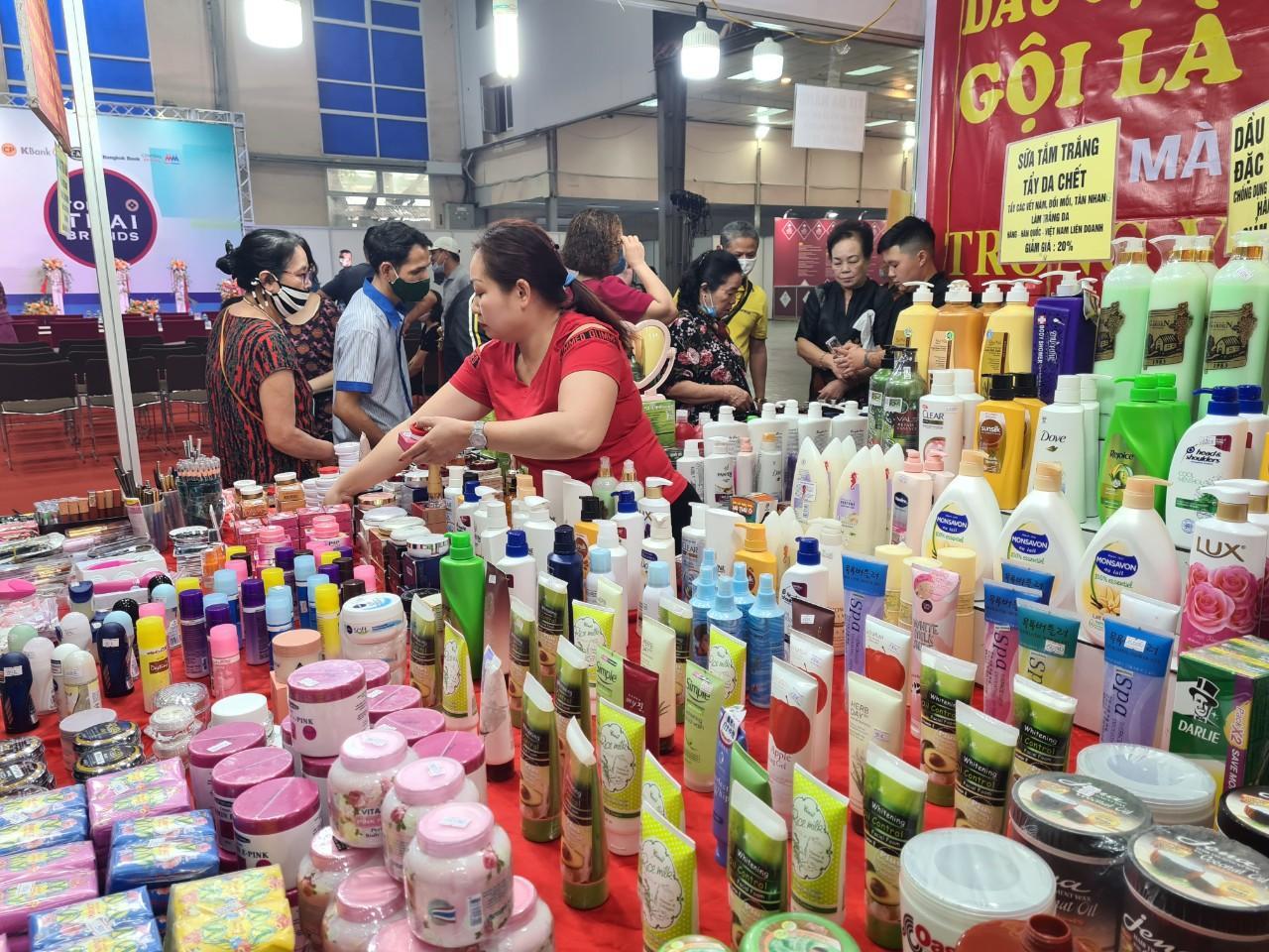 Hội chợ hàng Thái Lan tại Hà Nội, dân Hà Thành đua nhau mua sắm - Báo điện tử VnMedia - Tin nóng Việt Nam và thế giới