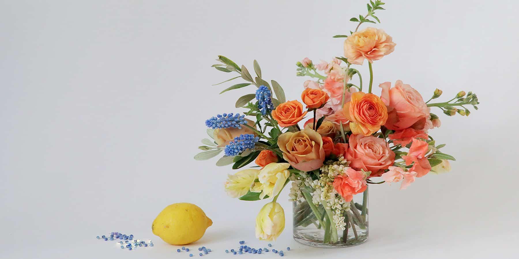 Lợi ích của hoa giả và cách lựa chọn hoa phù hợp không gian