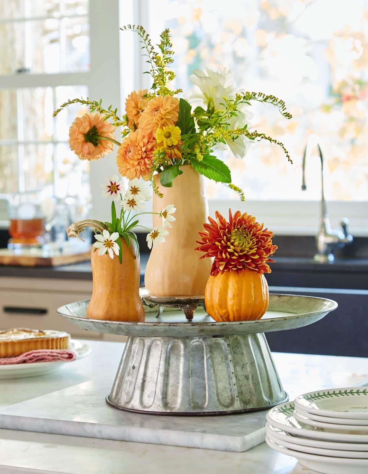 Mách bạn 10 cách trang trí nhà bằng hoa giả đẹp hơn cả hoa tươi