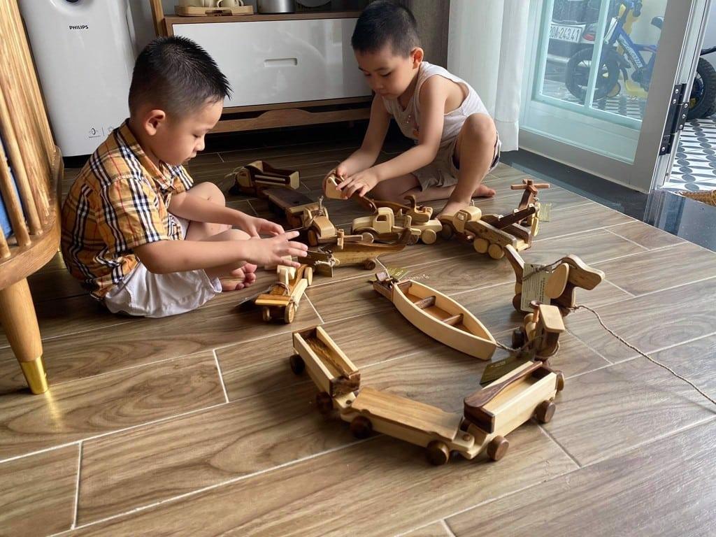 Lựa chọn đồ chơi gỗ thông minh theo độ tuổi của bé – CHÀNG TRAI GỖ