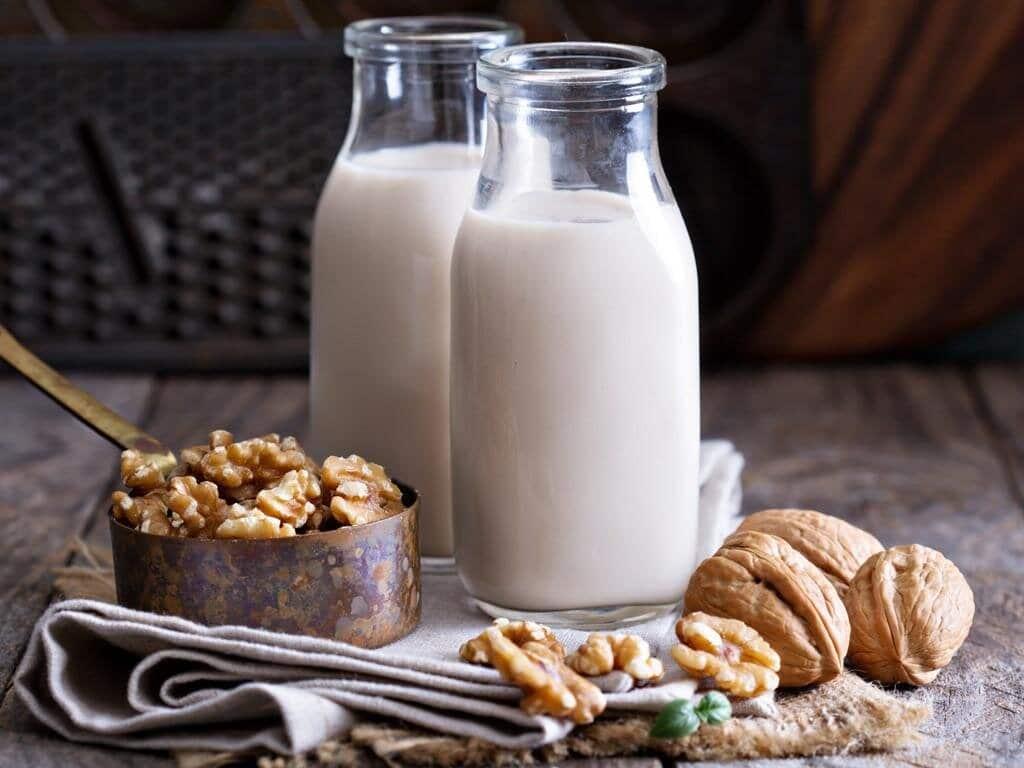 Những khác biệt giữa sữa hạt và sữa bò mà nhiều người chưa biết    websosanh.vn