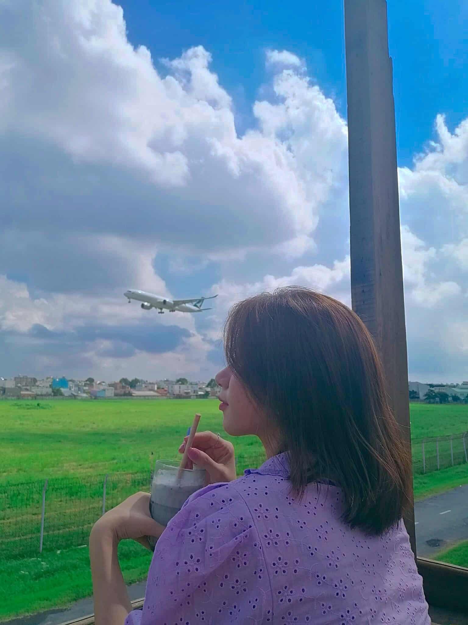 Phen's Coffee: quán cà phê ngắm máy bay độc lạ giữa lòng Sài Gòn