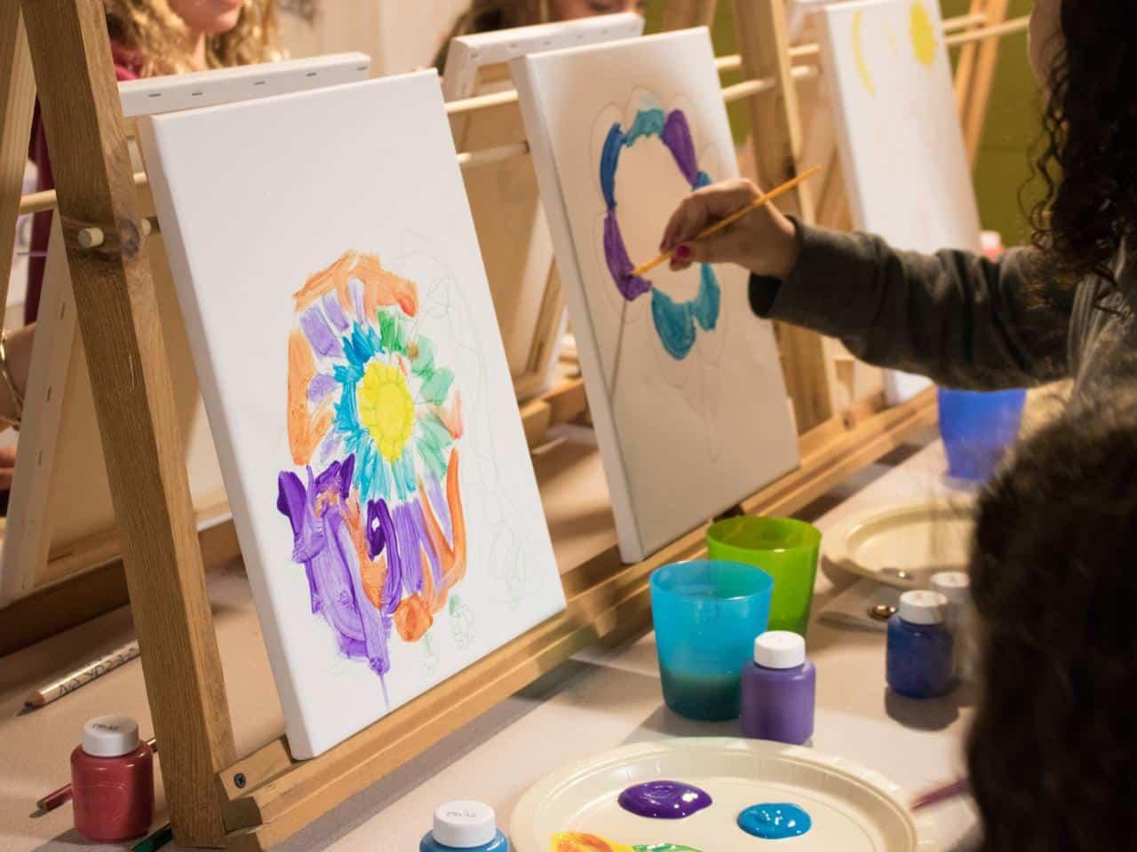 Kid Paint Free Days! - Kid 101