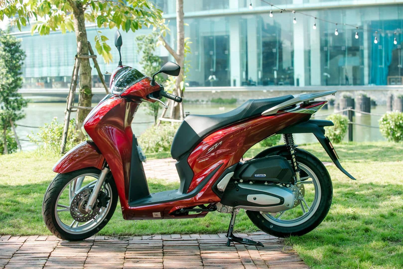 Top xe tay ga sang trọng bậc nhất năm 2021 cho quý ông Việt