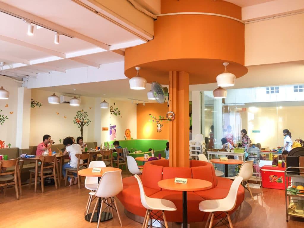 Quán cafe có khu vui chơi cho bé TPHCM