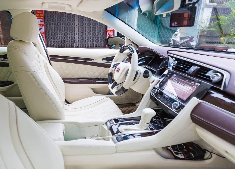 Các cách đổi màu nội thất ô tô đẹp, độc và ấn tượng