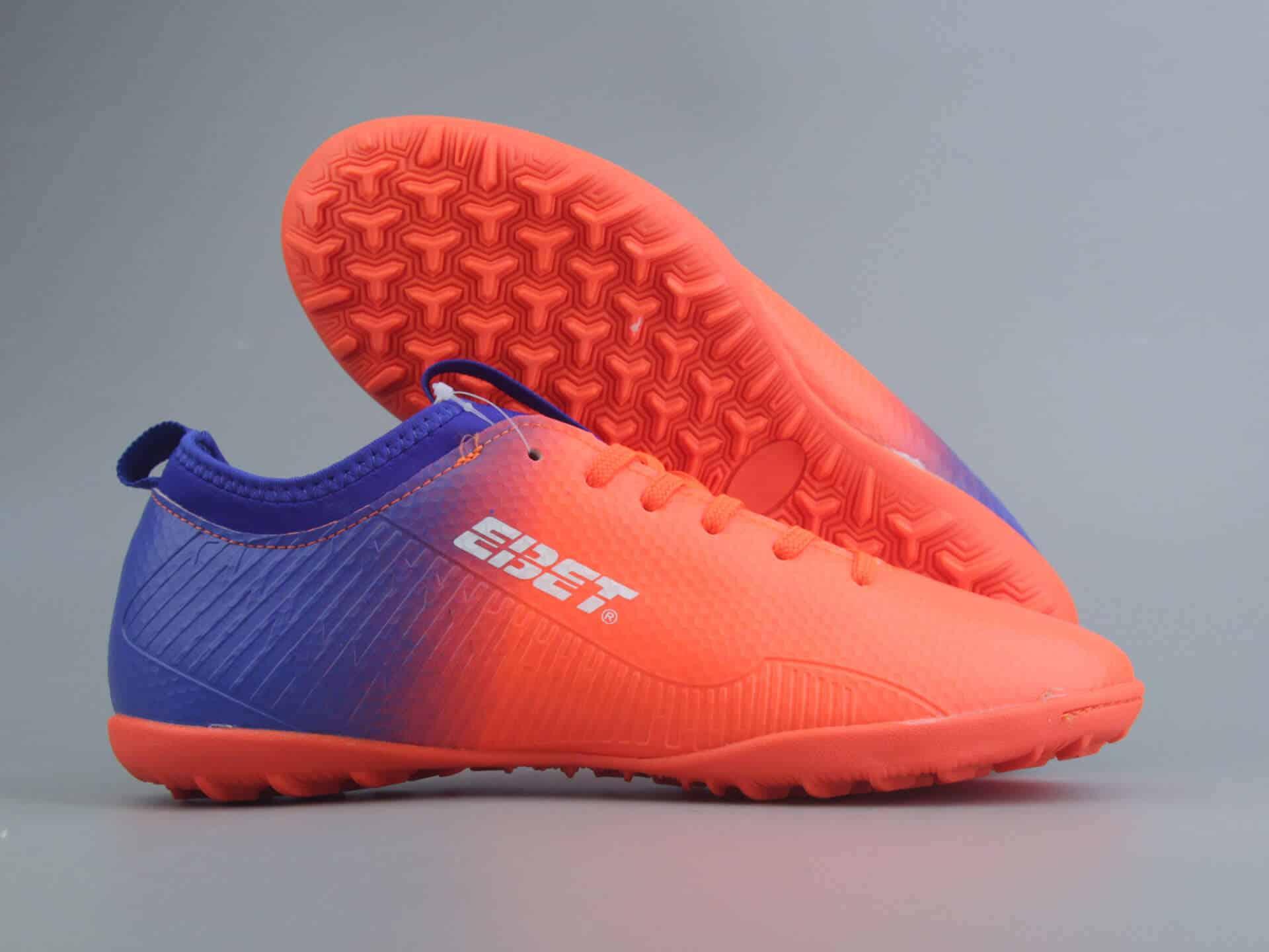 Shop giày đá bóng tại TPHCM