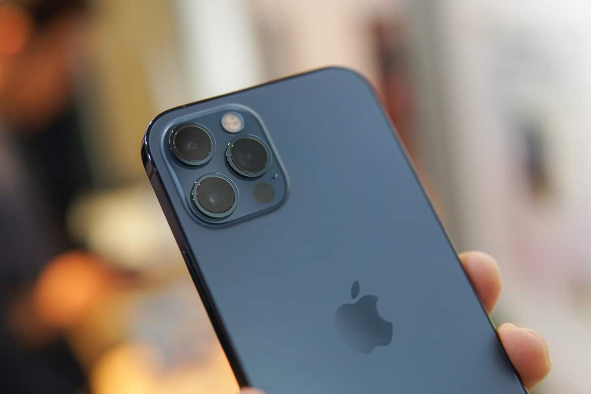 iPhone 12 Pro 'giá rẻ' đe dọa hàng chính hãng - VnExpress Số hóa