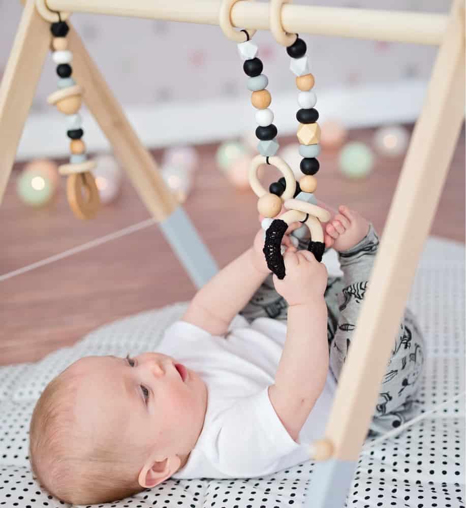 Kệ chữ A bằng gỗ đem đến lợi ích nào cho bé sơ sinh? - Thế Giới Đồ Gỗ Cho Bé