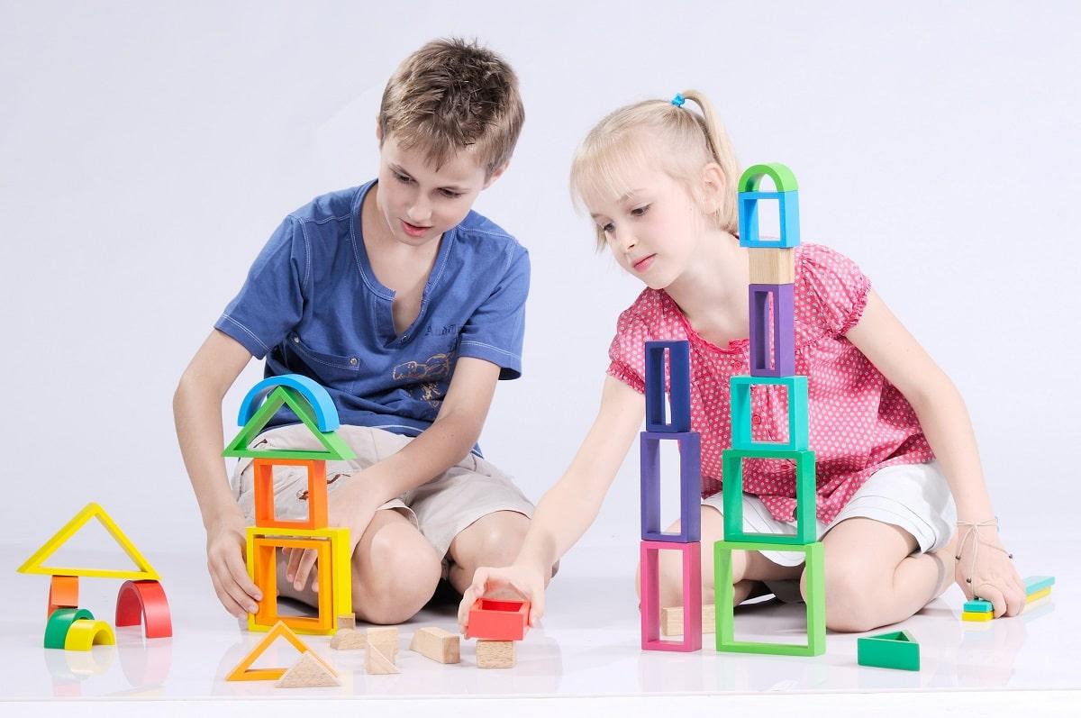5 lợi ích của đồ chơi giáo dục bằng gỗ cho trẻ nhỏ - NAM HOA - Đồ chơi gỗ  cho bé và gia dụng gỗ - Gia công & Sản xuất