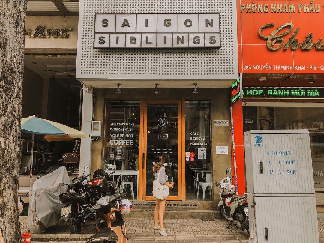 Quán cà phê ăn sáng ở Sài Gòn
