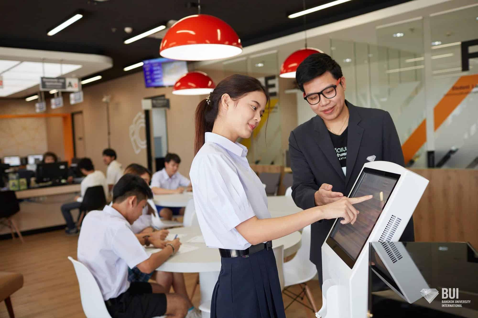 Cho con du học Thái Lan, 1 năm tốn bao nhiêu tiền?