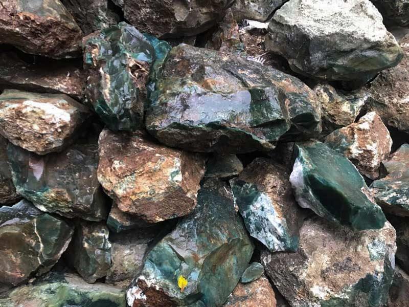 Đá quý Việt Nam chuyên bán buôn đá thạch anh uy tín - Đá Quý Việt Nam