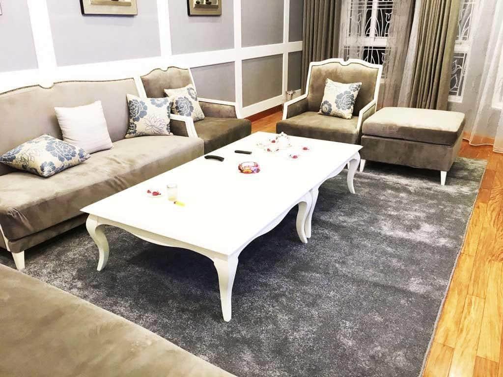 Chọn thảm với nội thất màu xám
