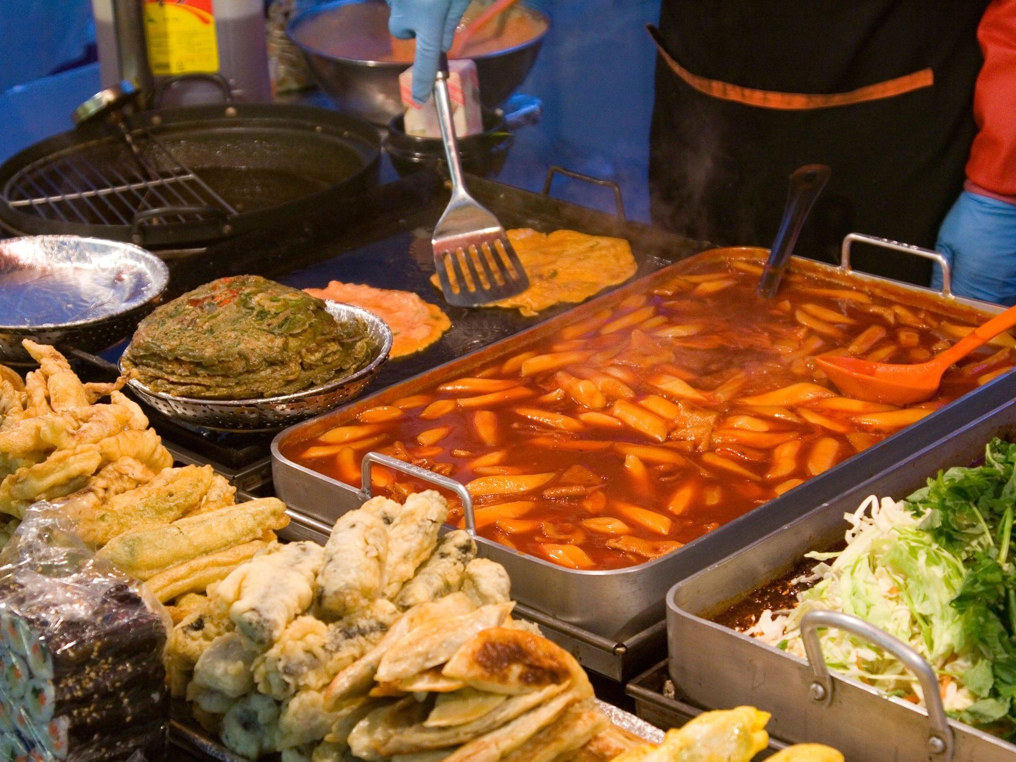 Phố ăn vặt Sài Gòn ( 13 )